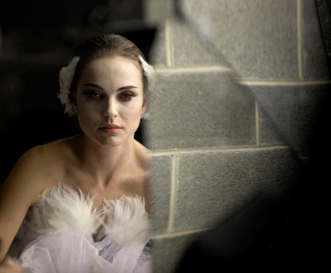 Can't hardly wait:Black Swan » natalie portman-red eyes